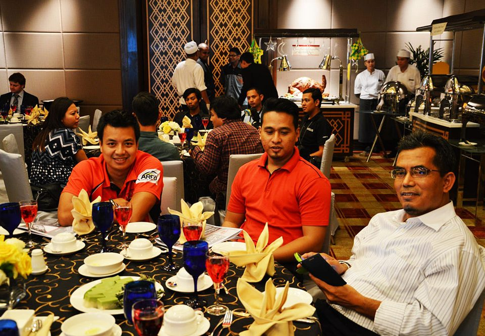 WAITING TO BREAK FAST: (From left) Syed Mohd Latif and Aizat Zaini from Astro Radio seated with Major (R) Mohamed Shuhaidi Omar, Deputy General Manager of the Projects Department, MRT Corp.