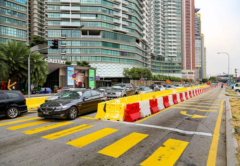 Lencongan trafik yang sudah dilaksanakan di tapak Stesen Kampung Baru North.