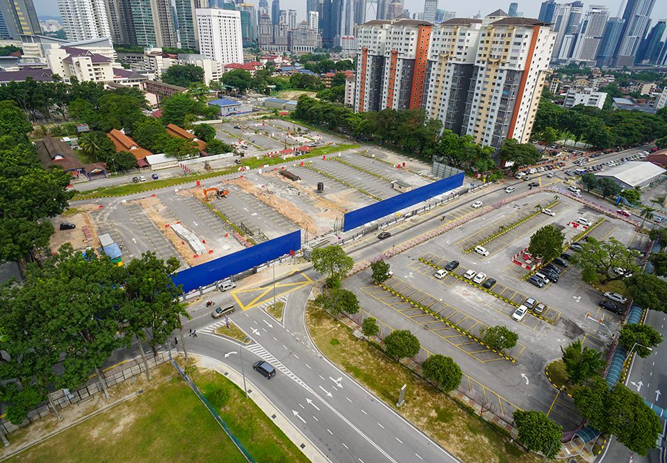 View south-bound of ongoing site clearing for the Intervention Shaft 1 near Kuala Lumpur Hospital.