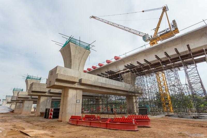 Penyediaan Sistem Sokongan Trestle untuk pembinaan galang kekotak bersegmen di tapak Stesen MRT Damansara Damai.