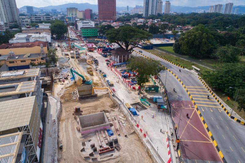 Pandangan udara kekotak stesen yang sudah siap dibina di tapak Stesen MRT Sentul West.