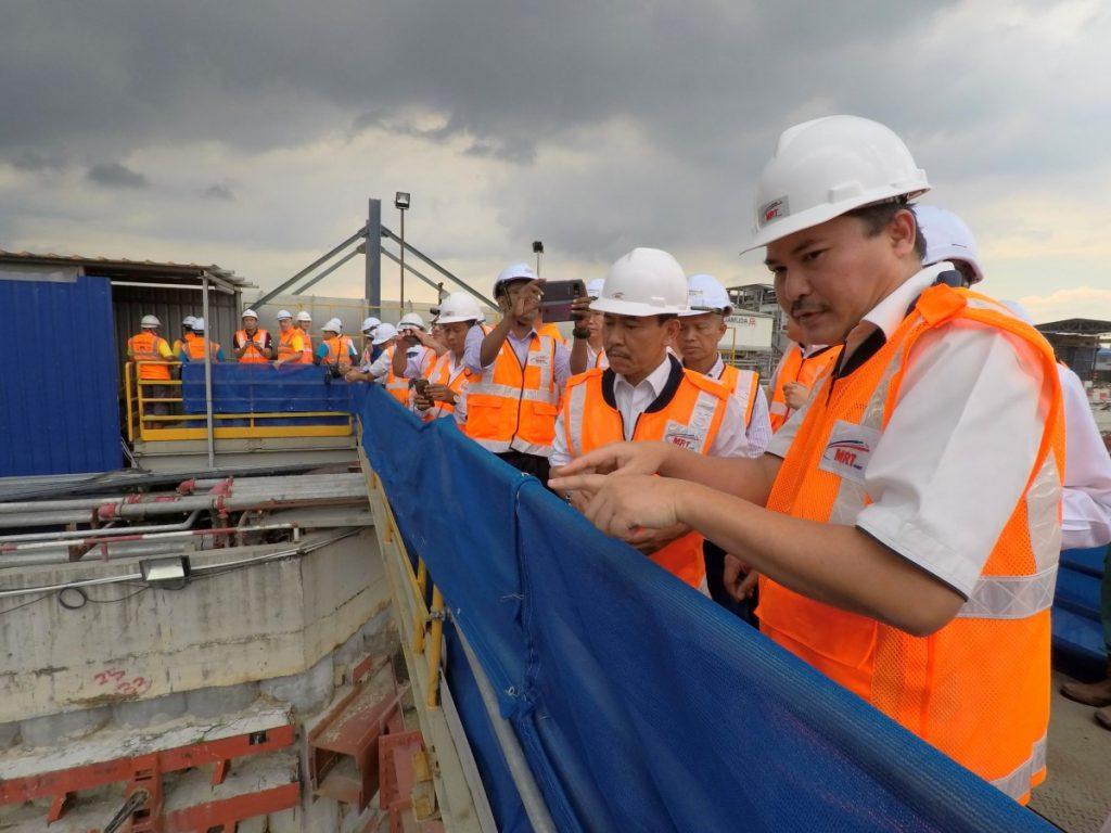 MRT-Corp-Events-Chief-Secretary-to-the-Government-visits-MRT-Project-2-1024x768