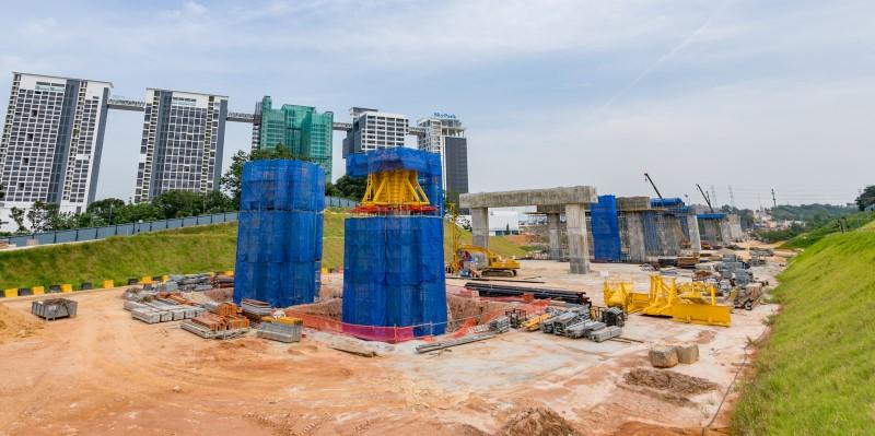 Pembinaan kepala tiang di tapak Stesen MRT Cyberjaya North.