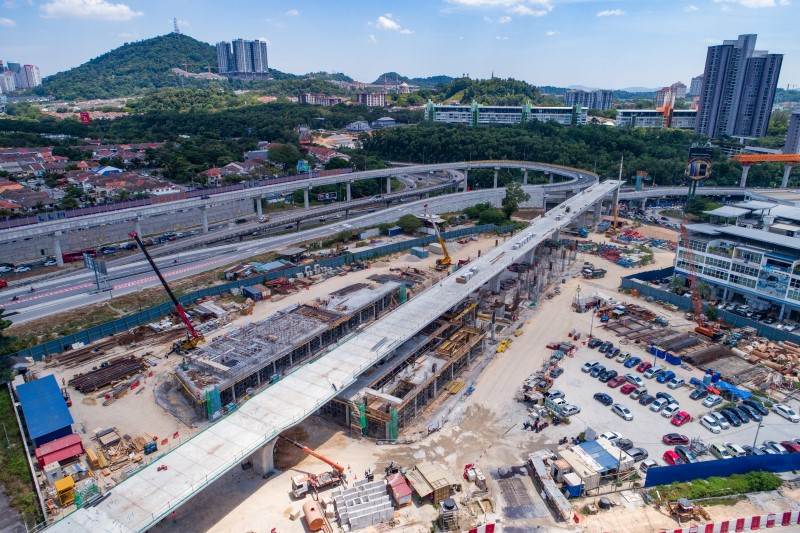 Aerial view of pier columns construction at the Sri Damansara East MRT Station site.