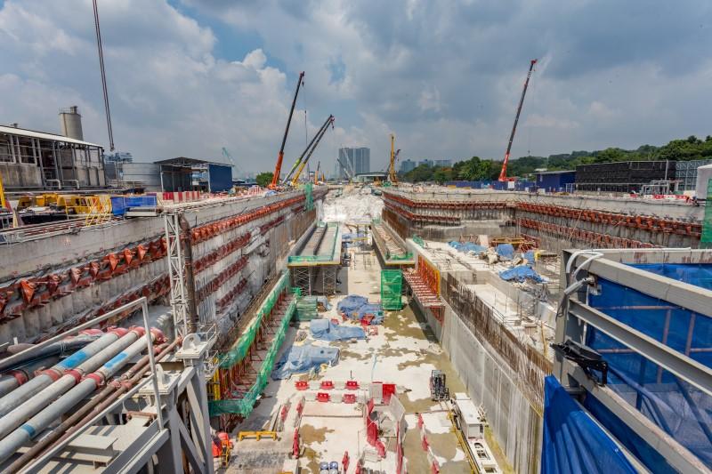 Pembinaan papak ruang legar di tapak Stesen MRT Bandar Malaysia North.
