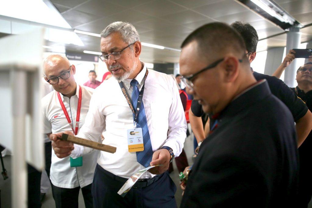 MRT-Corp-Events-November-2018-BUY-MALAYSIA'S-FIRST-SHOWCASE-AT-MRT-PASAR-SENI-STATION-4-1024x683
