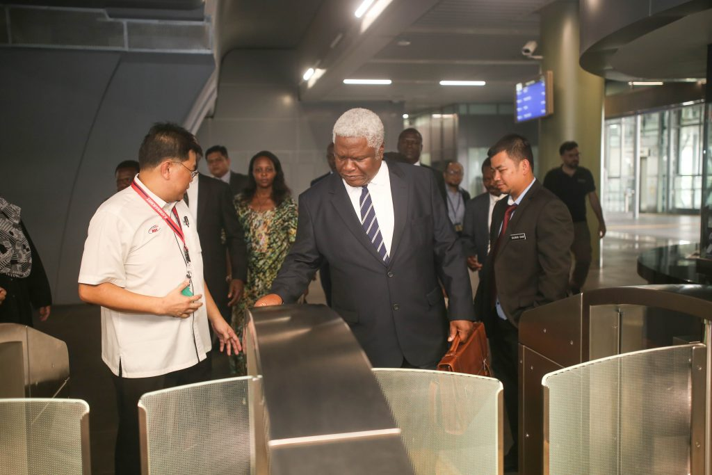 MRT-Corp-Events-October-2018-UGANDAN-DELEGATION-LEARNS-ABOUT-THE-KLANG-VALLEY-MRT-PROJECT-2-1024x683