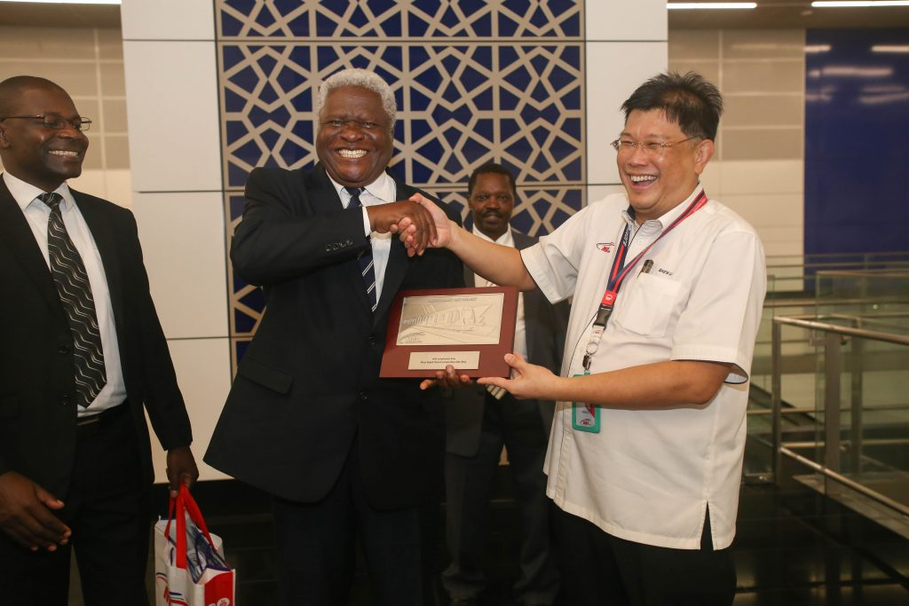 MRT-Corp-Events-October-2018-UGANDAN-DELEGATION-LEARNS-ABOUT-THE-KLANG-VALLEY-MRT-PROJECT-4-1024x683