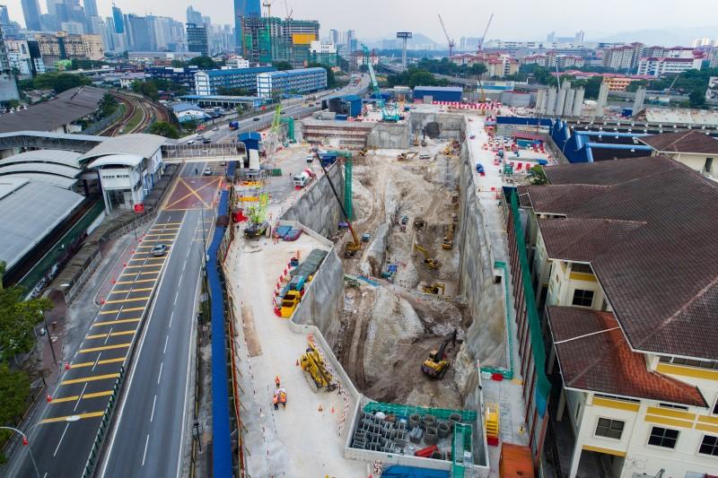 Pandangan udara tapak Stesen MRT Chan Sow Lin.