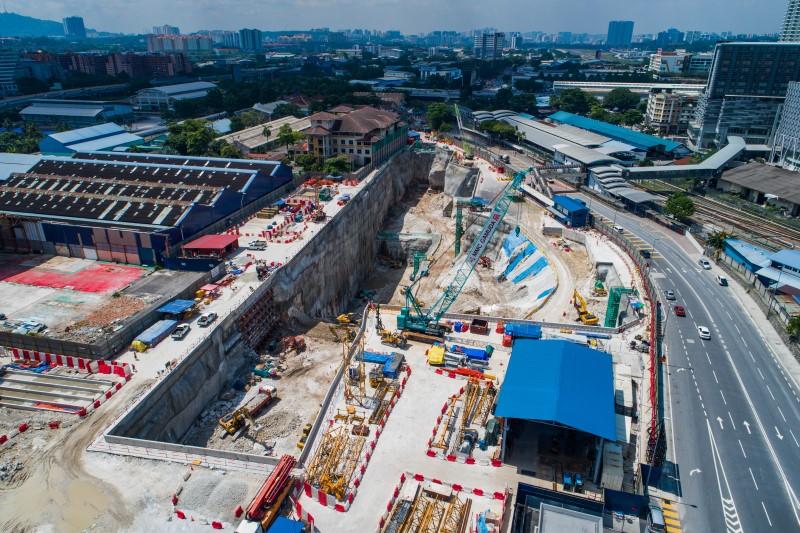 Pandangan udara tapak Stesen MRT Chan Sow Lin