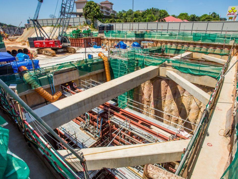 Kerja-kerja persediaan berterusan untuk penggalian mikro bagi portal lajak di laluan bawah tanah Lebuhraya KL-Seremban.