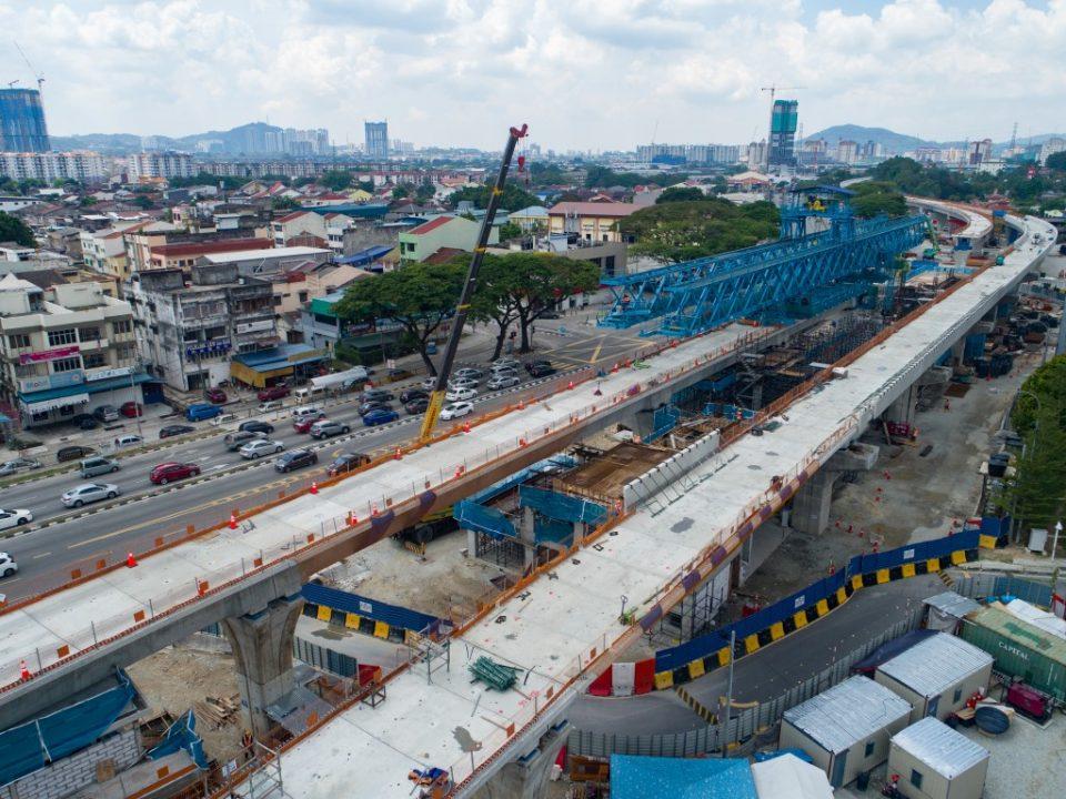 Bangunan utiliti sedang dibina di tapak Stesen MRT Sri Delima.