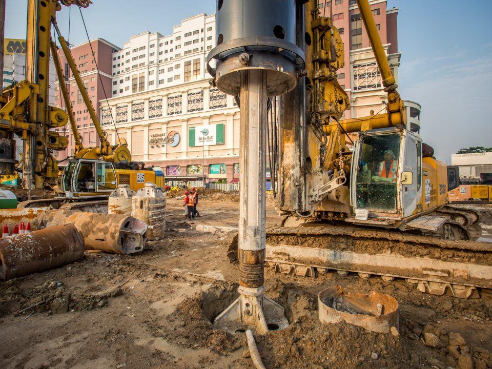 Cerucuk gerek sekan sedang dibina di tapak Stesen MRT Jalan Ipoh.