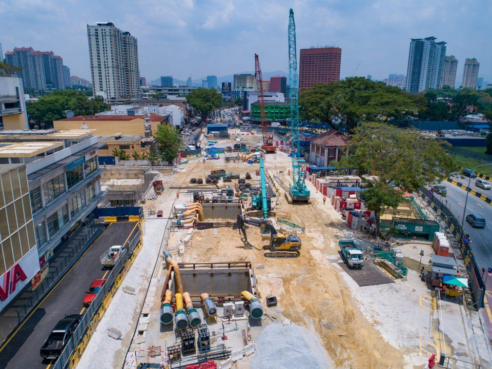 Pandangan keseluruhan tapak Stesen MRT Sentul Barat dengan Pelan Pengurusan Trafik dilaksanakan.
