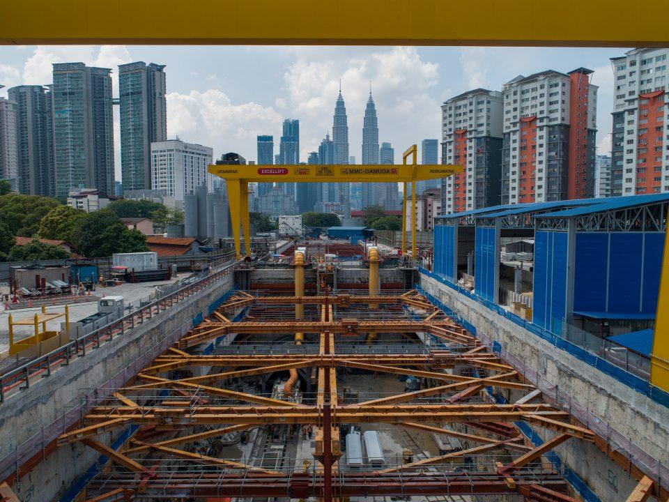 Pandangan atas syaf di Syaf Penyelenggaraan 1/ Lintasan Hospital Kuala Lumpur.