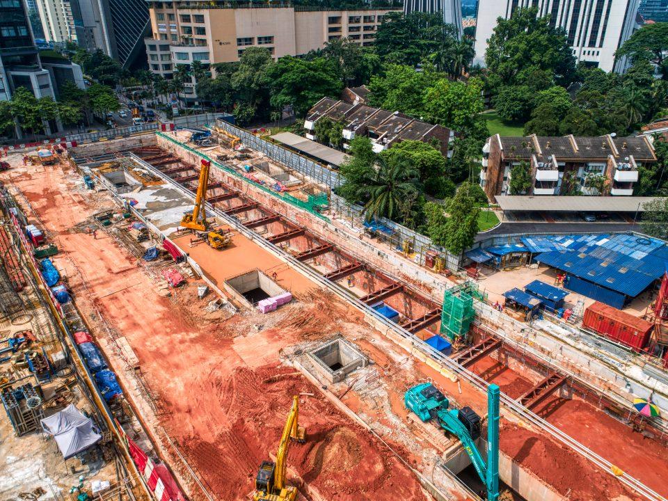 Pandangan atas tapak Stesen MRT KLCC Timur.