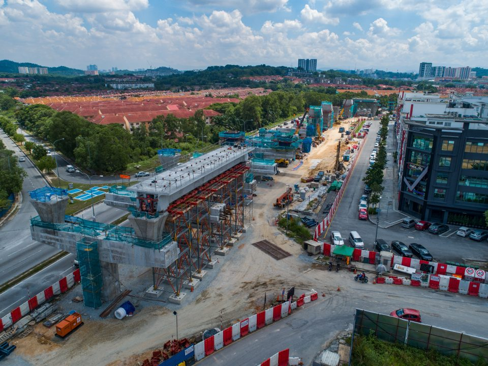 Pembinaan galang kekotak bersegmen telah siap di tapak Stesen MRT Taman Putra Permai