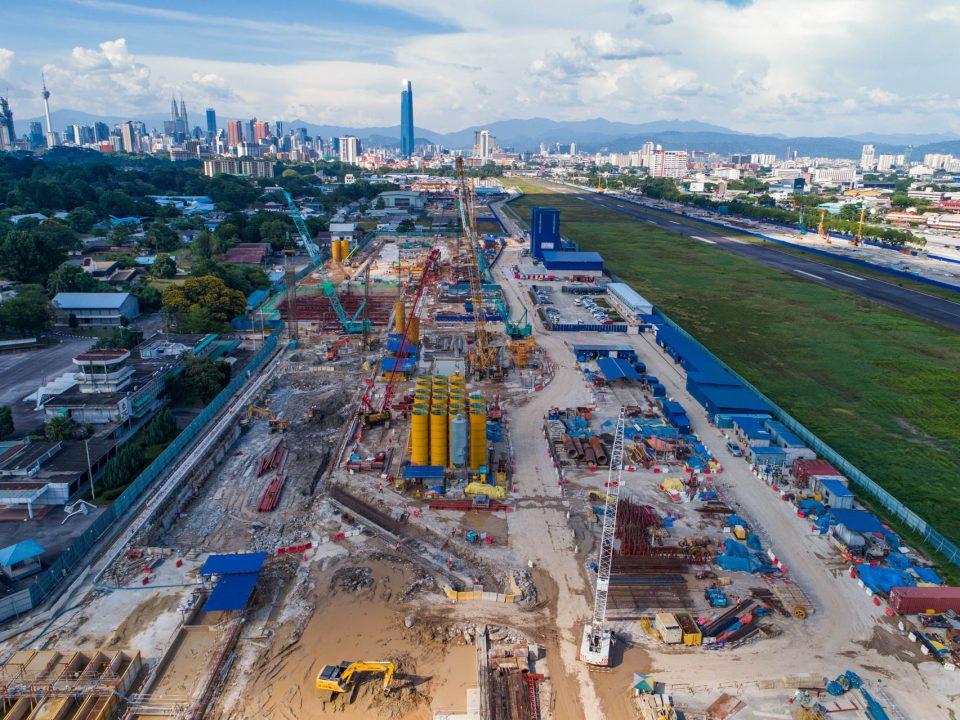 """YANG PERTAMA: Projek MRT Laluan Sungai Buloh-Serdang-Putrajaya (SSP) merupakan projek pertama menggunakan kerah tugas GIS berasaskan """"cloud"""" ESRI di Asia yang mengintegrasikan sepenuhnya Pemodelan Maklumat Bangunan dan Pemodelan Realiti"""
