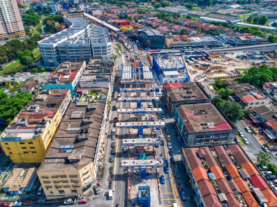 Jalan Ipoh (Kentonmen) Pandangan udara kerja-kerja pelancaran kepala sesilang peringkat akhir di Stesen MRT Kentonmen.