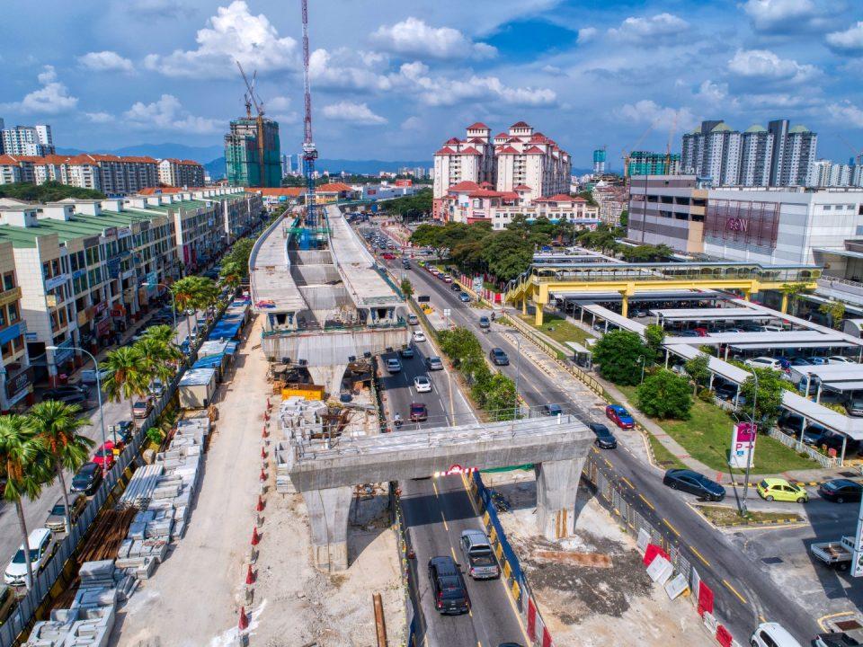 Pandangan udara kerja-kerja pembinaan portal sudah siap di tapak Stesen MRT Metro Prima.