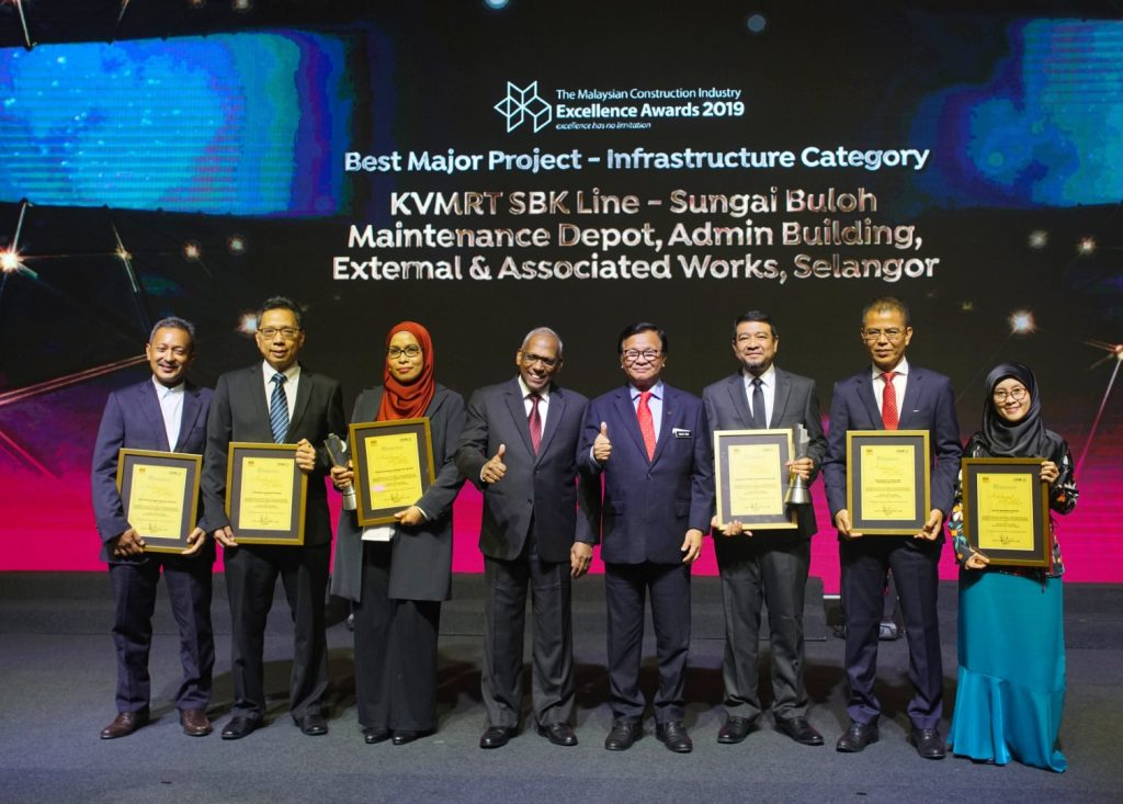 MRT-Corp-Events-October-2019-KVMRT-PROJECT-BAGS-BEST-PROJECT-AWARD-2-Large-1024x733