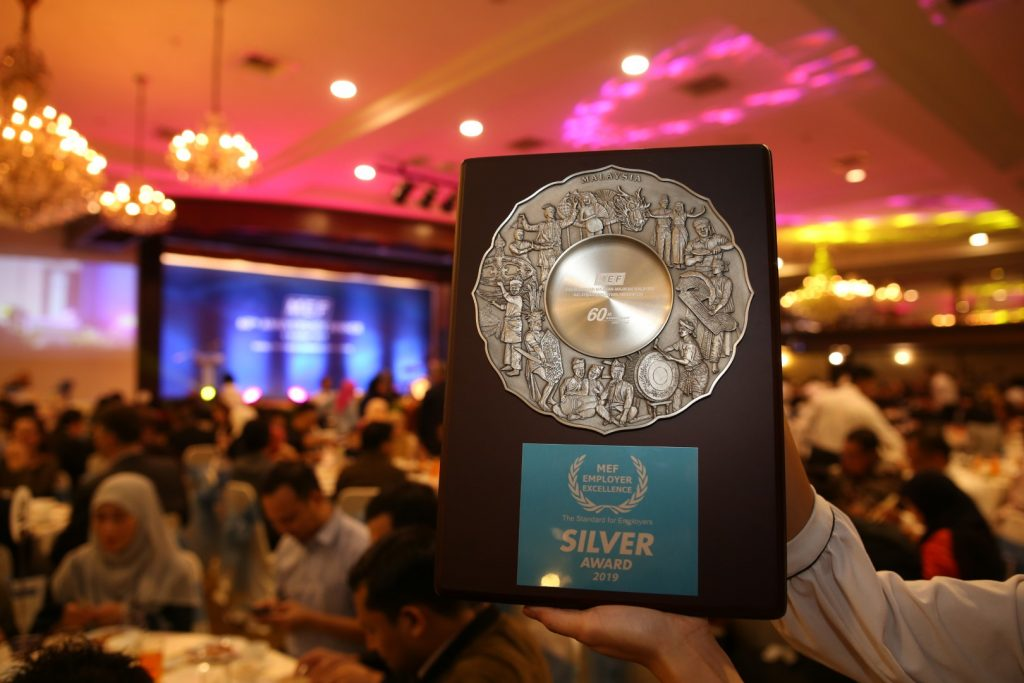 MRT-Corp-Events-October-2019-MRT-CORP-WINS-EMPLOYER-EXCELLENCE-SILVER-AWARD-2-Large-1-1024x683