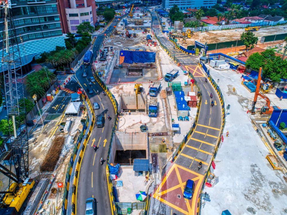 Pandangan udara tapak Stesen MRT Kampung Baru Utara menunjukkan lencongan jalan selesai bagi Pelan Pengurusan Trafik Peringkat 1C.