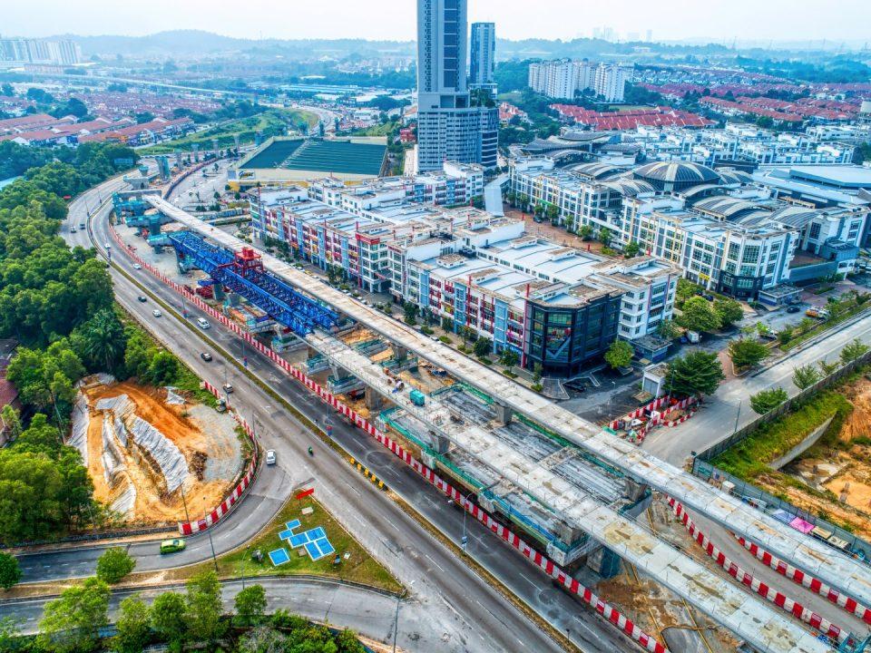 Pandangan udara rentang yang telah siap di tapak Stesen MRT Taman Putra Permai.