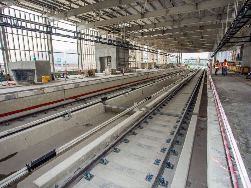 Tuangan landasan Stesen MRT Sri Damansara Timur yang telah siap.