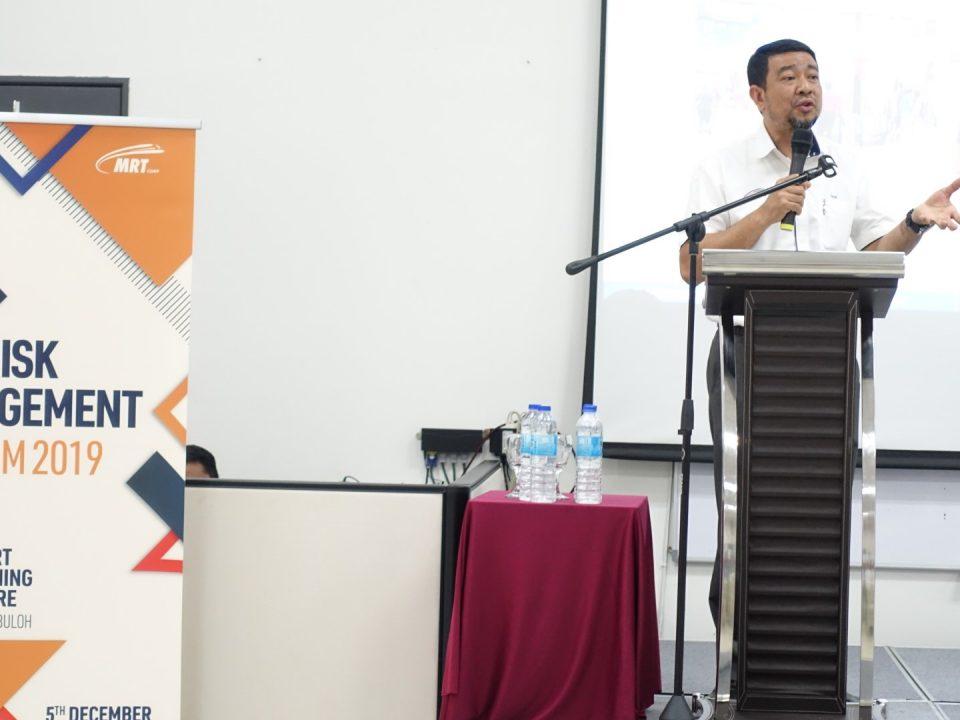 SESI PERKONGSIAN: Ketua Pegawai Eksekutif Mass Rapid Transit Corporation Sdn Bhd, Encik Abdul Yazid Kassim telah menganjurkan sebuah sesi semasa Forum Pengurusan Risiko 2019, di mana beliau telah berkongsi dengan para hadirin tentang pengajaran yang telah dipelajari daripada insiden-insiden yang lepas.