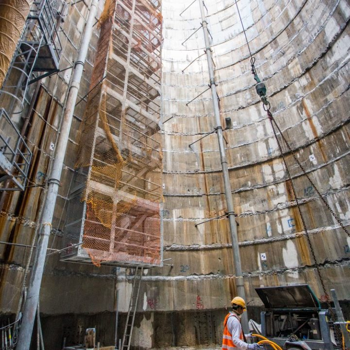 Pandangan pembinaan papak asas yang telah siap di tapak Syaf Kecemasan 2.