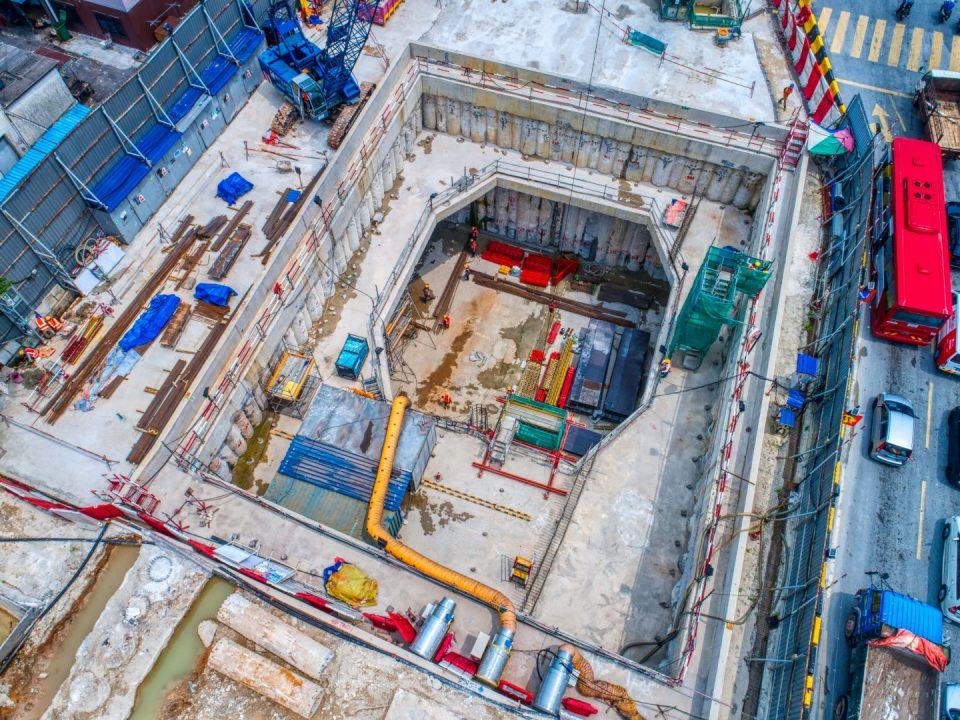 Pandangan udara Syaf Kecemasan 1 menunjukkan aras bilik loji untuk pembukaan sementara bagi pengambilan semula mesin pengorek terowong.