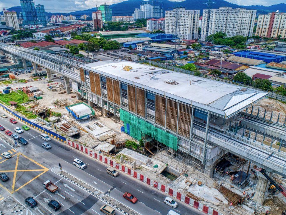 Pemasangan struktur dan perlindungan bumbung sudah siap 60%. Kerja-kerja luaran seperti dinding penahan, kerja-kerja jalan dan kerja-kerja saliran sedang dijalankan di Stesen MRT Jinjang.