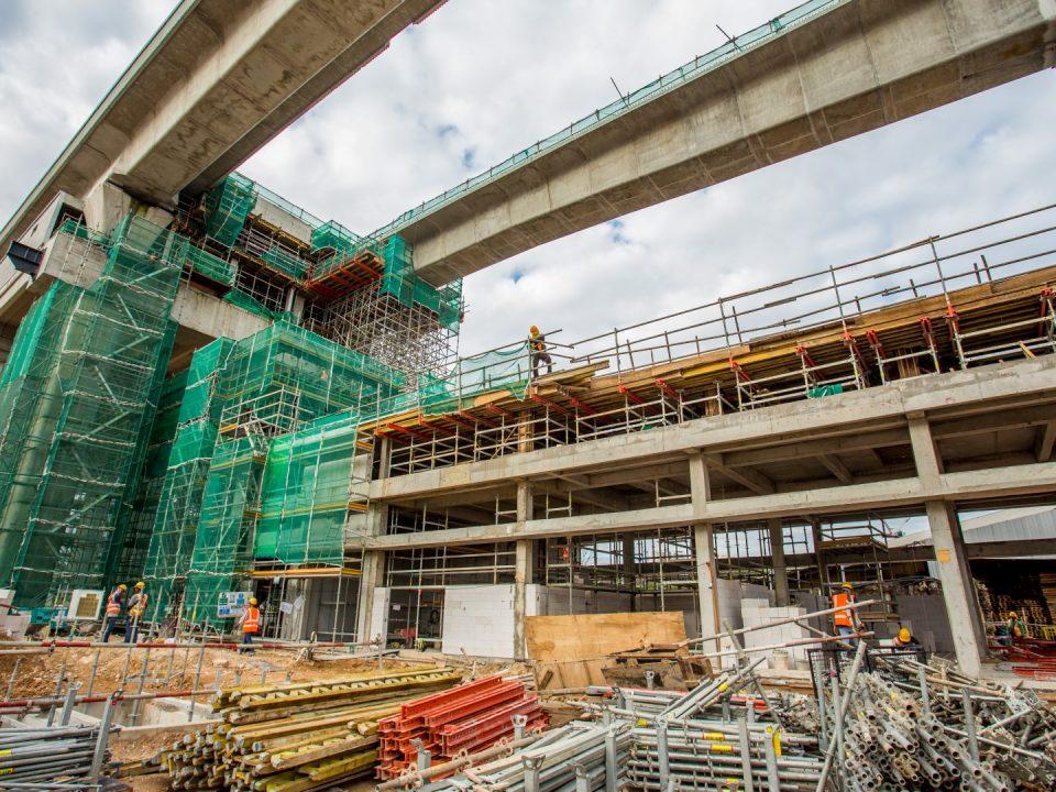 Pemasangan mekanikal dan elektrikal serta seni bina sedang dijalankan di tapak Stesen MRT Kuchai.