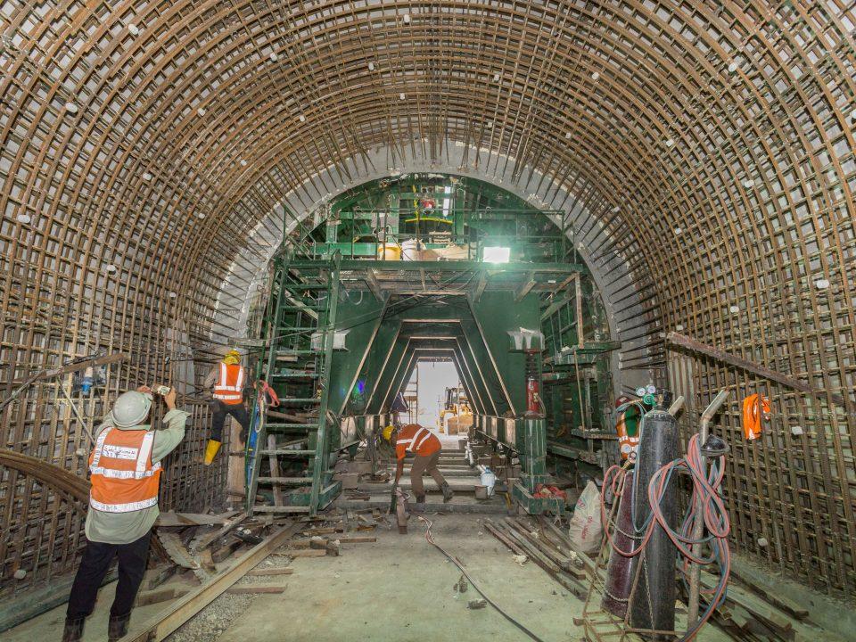 Pembinaan lapisan kekal sedang dijalankan di laluan bawah berhampiran Lebuhraya KL-Seremban