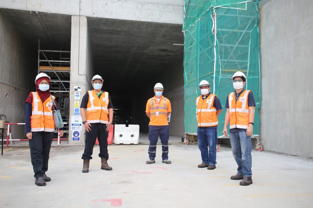 MRT-Corp-Events-June-2020-DANAINFRA-OFFICERS-WITNESS-TBM-BREAKTHROUGH-6-Large-1024x683