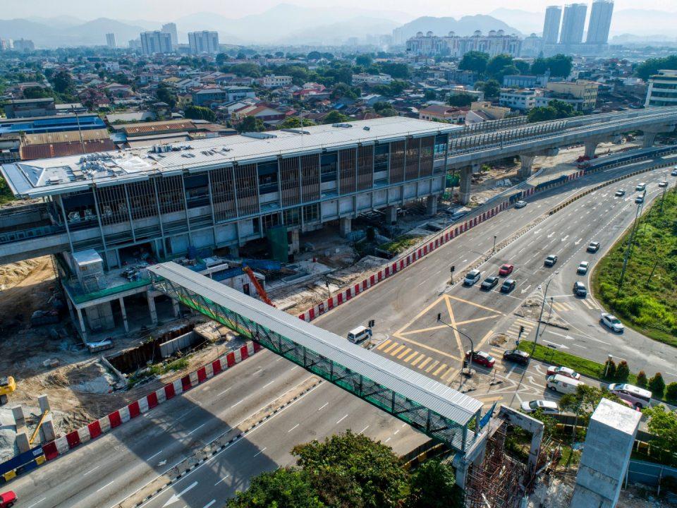 Pandangan udara tapak Stesen MRT Jinjang menunjukkan kerja-kerja struktur Pintu Masuk 1 dan 2 sedang dijalankan.